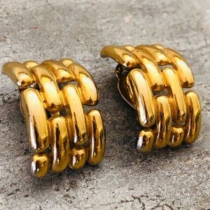 ♥️ Givenchy ♥️ Gold Clip Earrings